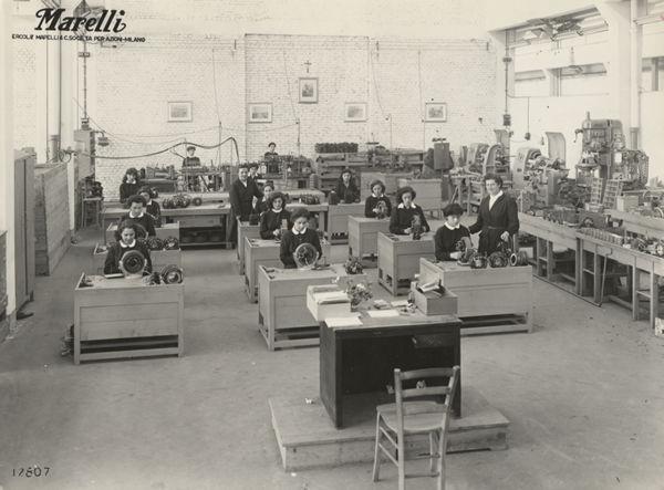 Ventilatore oscillante Ghibli da tavolo, anni '20, (Ismec, Archivio Storico Ercole Marelli).